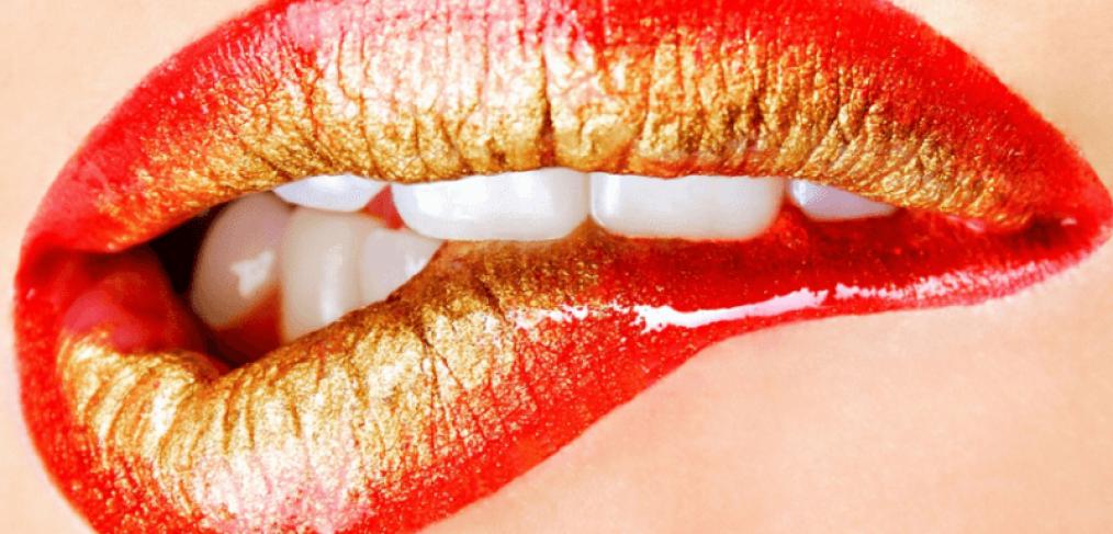 bocca sensuale che dice frasi porche